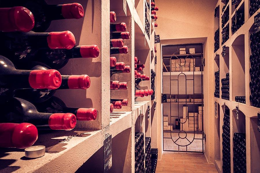 chateau-cadet-bon-cru-classe-gallery-rangement-bouteilles-1